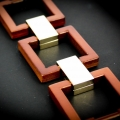 catena in cuoio profili squadrati e snodi in metallo